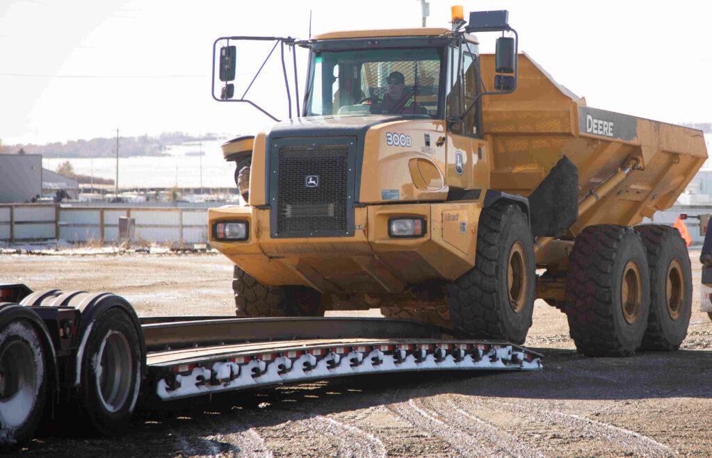 haul-heavy-equipment-canada-us